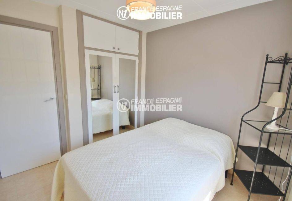 appartement a vendre a rosas, ref.3425, seconde chambre avec penderie intégrée