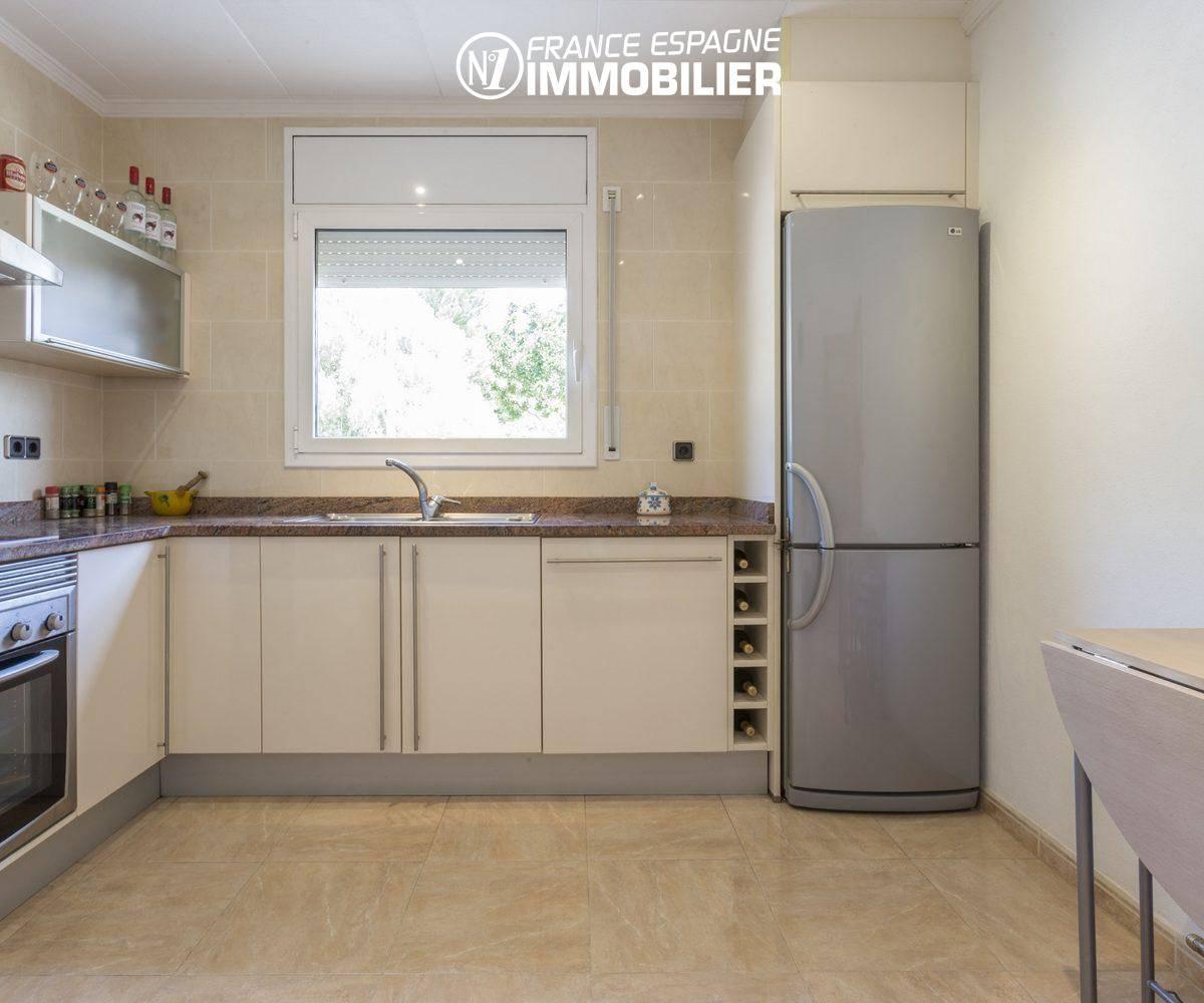 agence immobiliere palau saverdera: villa ref.3411, cuisine aménagée indépendante