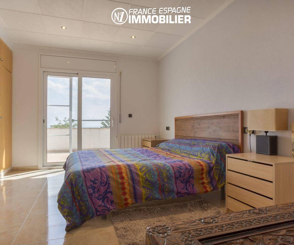 maison a vendre espagne bord de mer, ref.3411, suite parentale placards et accès terrasse