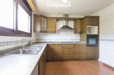 maison a vendre espagne catalogne, ref.3415, cuisine indépendante avec des rangements