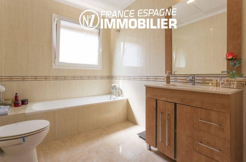 vente immobiliere costa brava: villa ref.3411, salle de bains de la suite parentale
