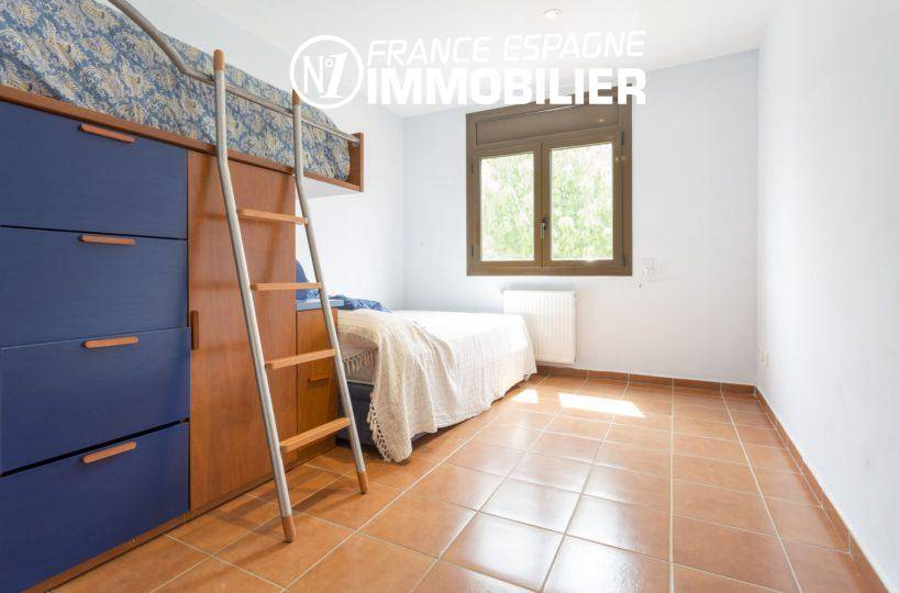 maison à vendre en espagne costa brava, ref.3415, chambre 1, lit mezzanine et lit simple