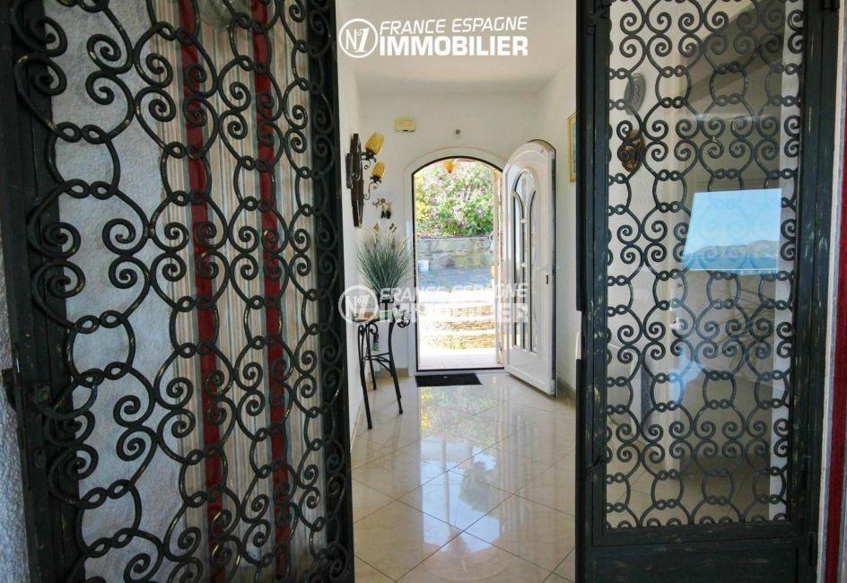 vente immobilier costa brava: villa ref.3399, porte d'entrée et hall d'entrée