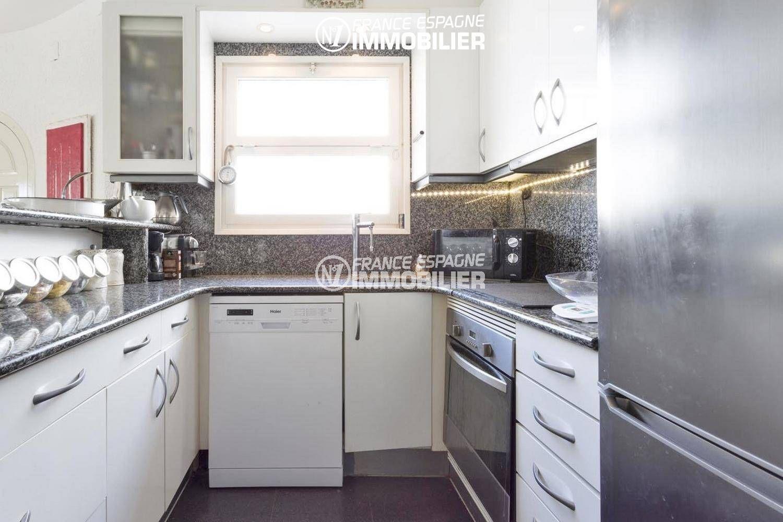 agence immobilière costa brava: villa ref.3405, cuisine américaine équipée, vue de face