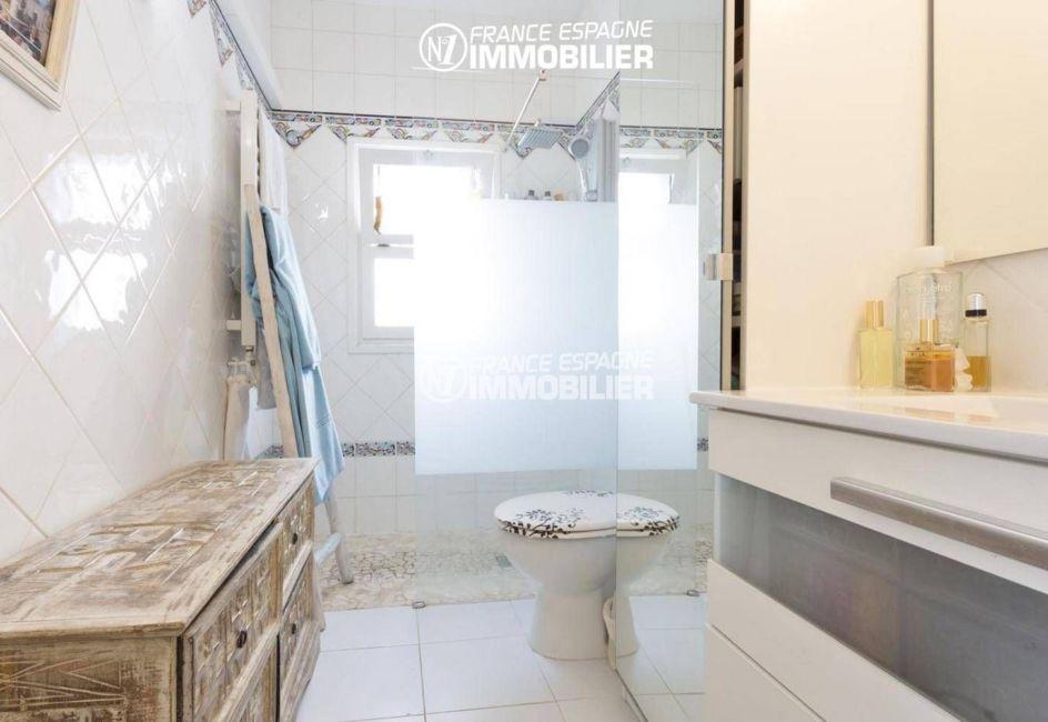 vente villa empuriabrava, ref.3405, la suite parentale, salle d'eau