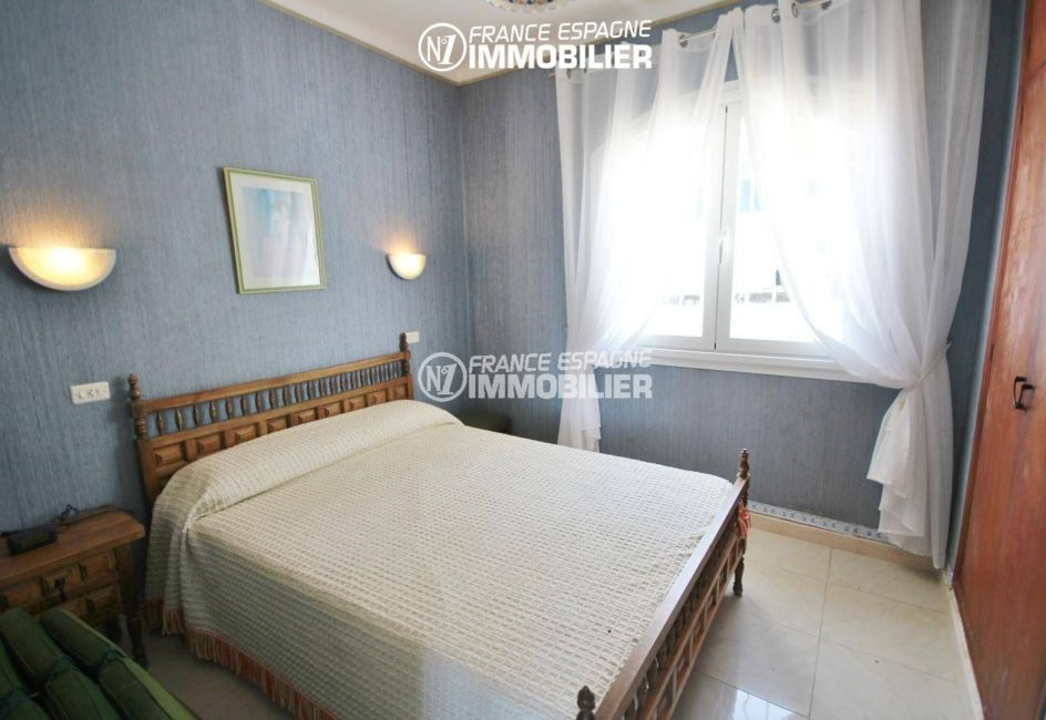 achat maison espagne costa brava, ref.3399, deuxième chambre avec lit double, rangements