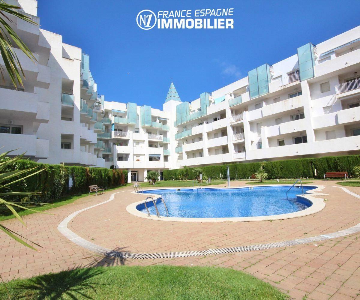 immo roses: appartement 44 m² avec piscine & jardin parking, amarre possible