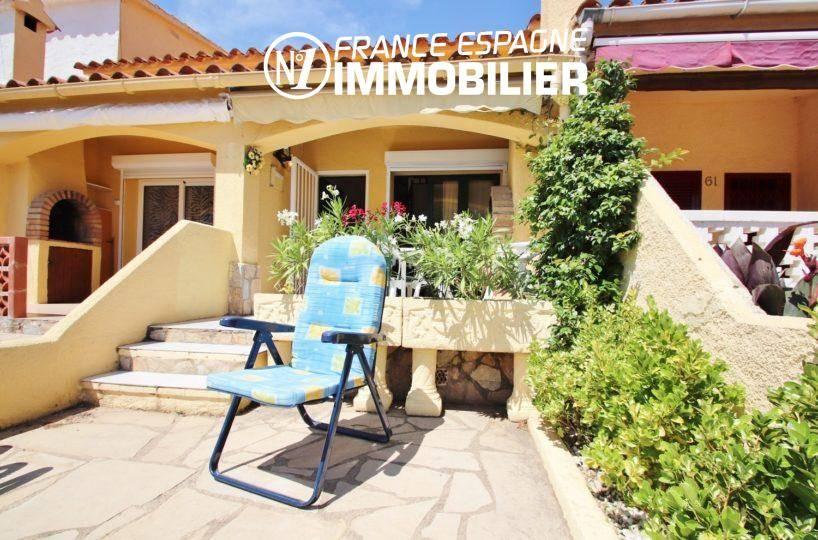 immobilier empuriabrava: villa avec parking et piscine, aperçu de la terrasse