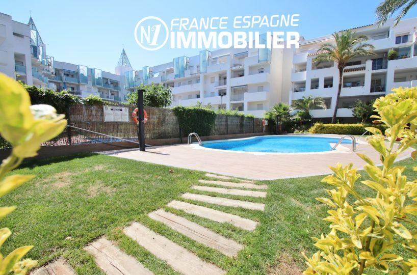 Rosas appartement avec piscine en commun et possibilité amarre