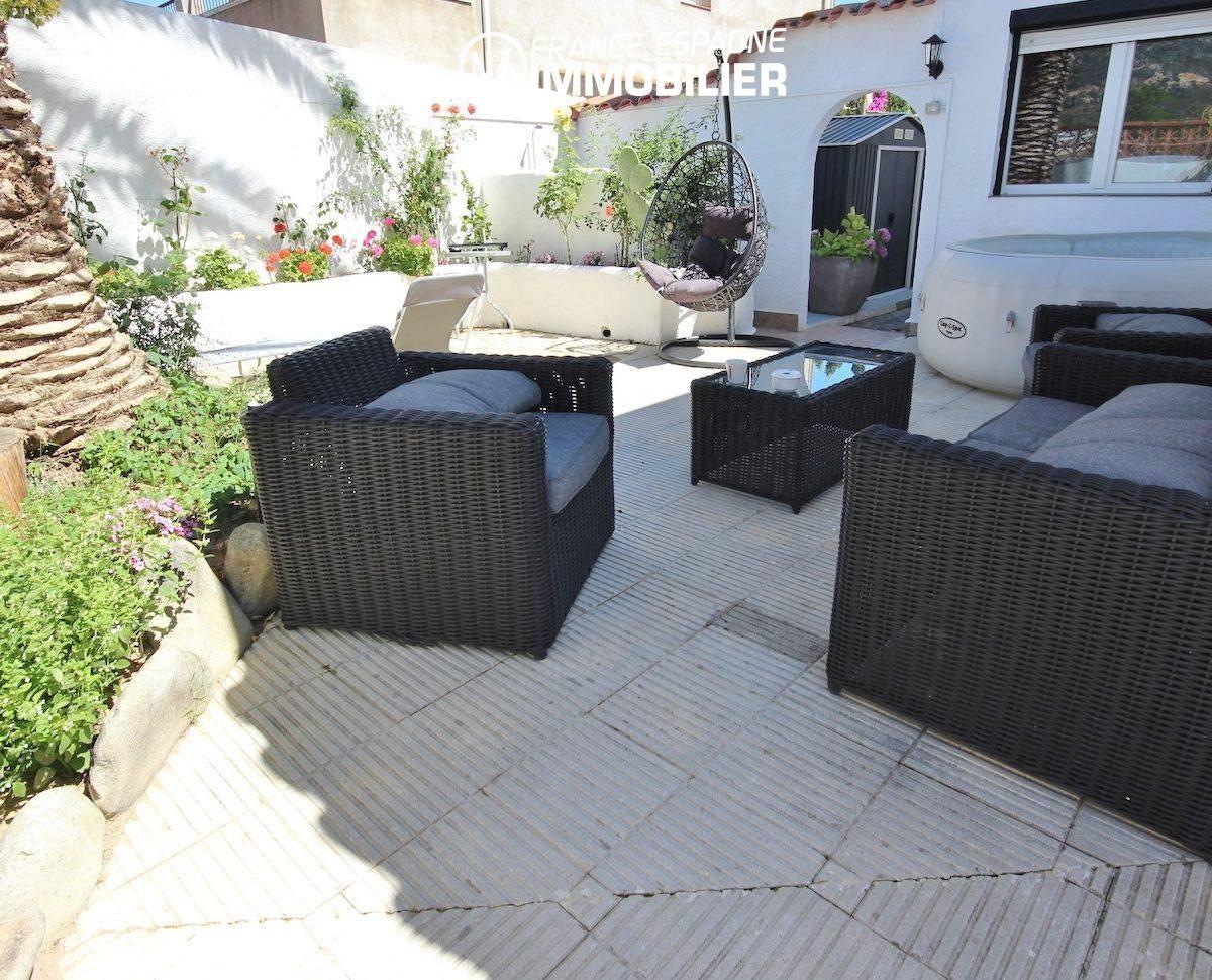 immobilier costa brava, villa 160 m² à Rosas, jacuzzi solarium, vue mer