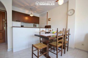 agence immo empuriabrava: appartement ref.3459, coin repas et bar de la cuisine