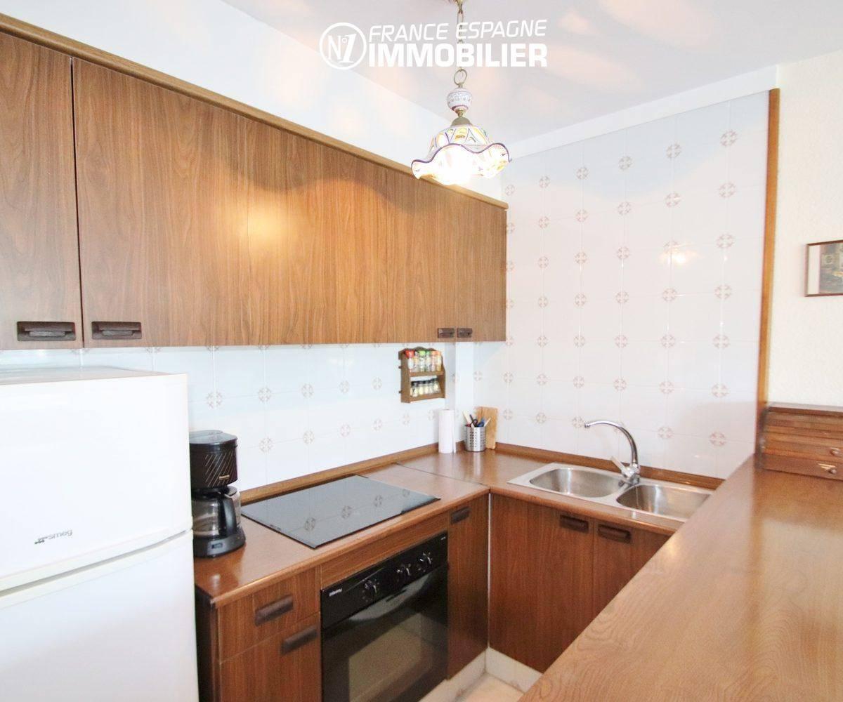 agence immobiliere empuriabrava: appartement ref.3459, la cuisine aménagée ouverte