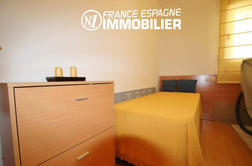 appartement à vendre à rosas espagne, 55 m², deuxième chambre avec un lit simple