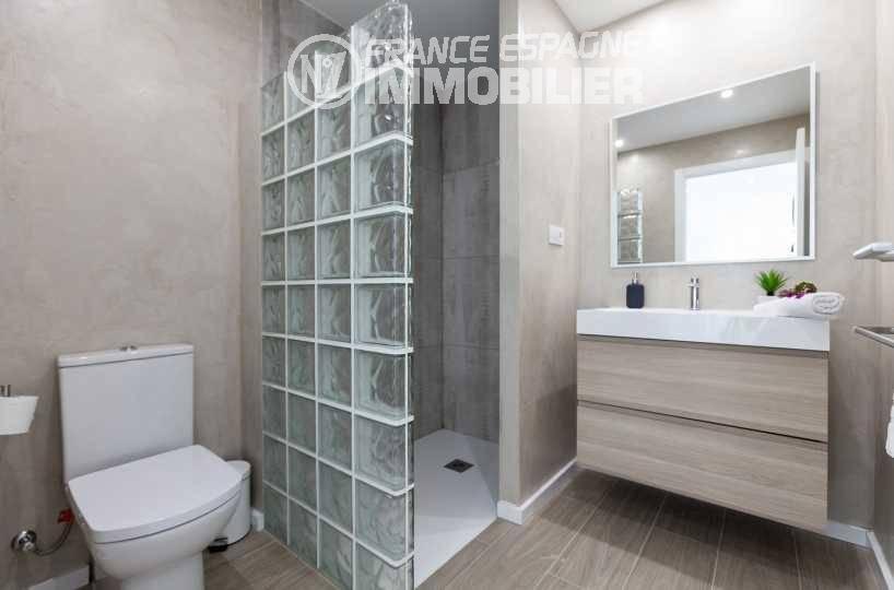 immobilier espagne costa brava vue mer: villa ref.3433, aperçu seconde salle d'eau (seconde chambre)
