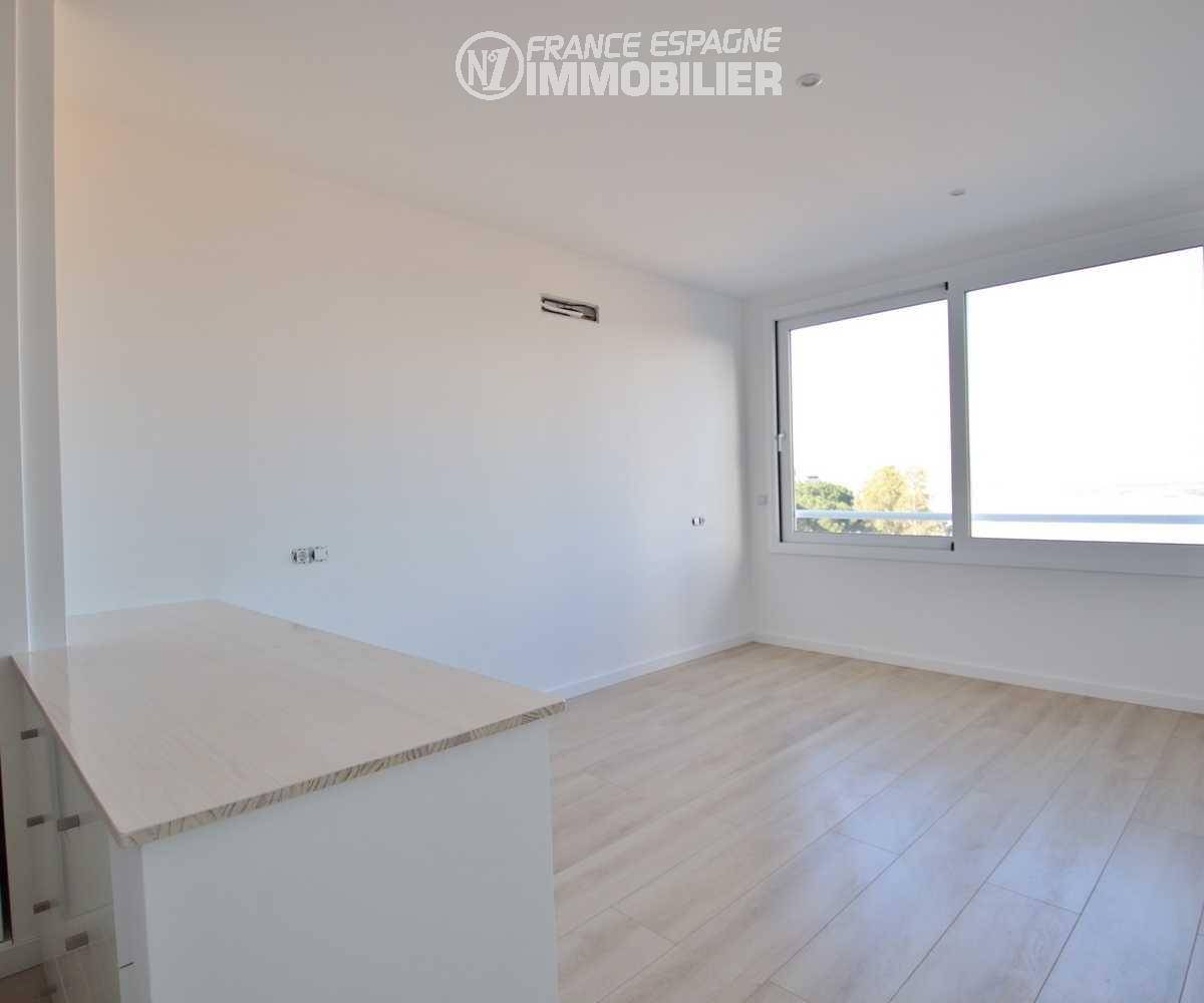 achat maison costa brava, ref.3433, seconde chambre avec placards intégrés