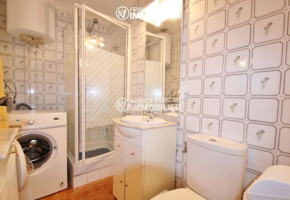 agence immobilière costa brava: villa ref.3446, salle d'eau avec wc et place pour le lave linge
