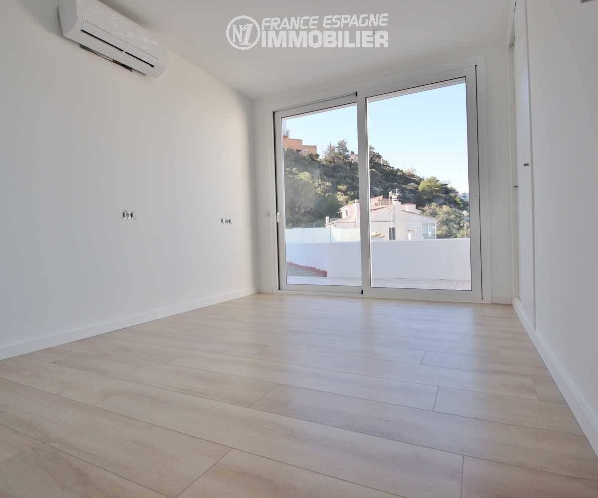 vente immobilier costa brava: villa ref.3433, aperçu troisième chambre avec accès terrasse et placards