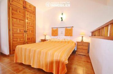 maison à vendre empuriabrava, ref.3446, chambre 2 en mezzanine avec placards intégré