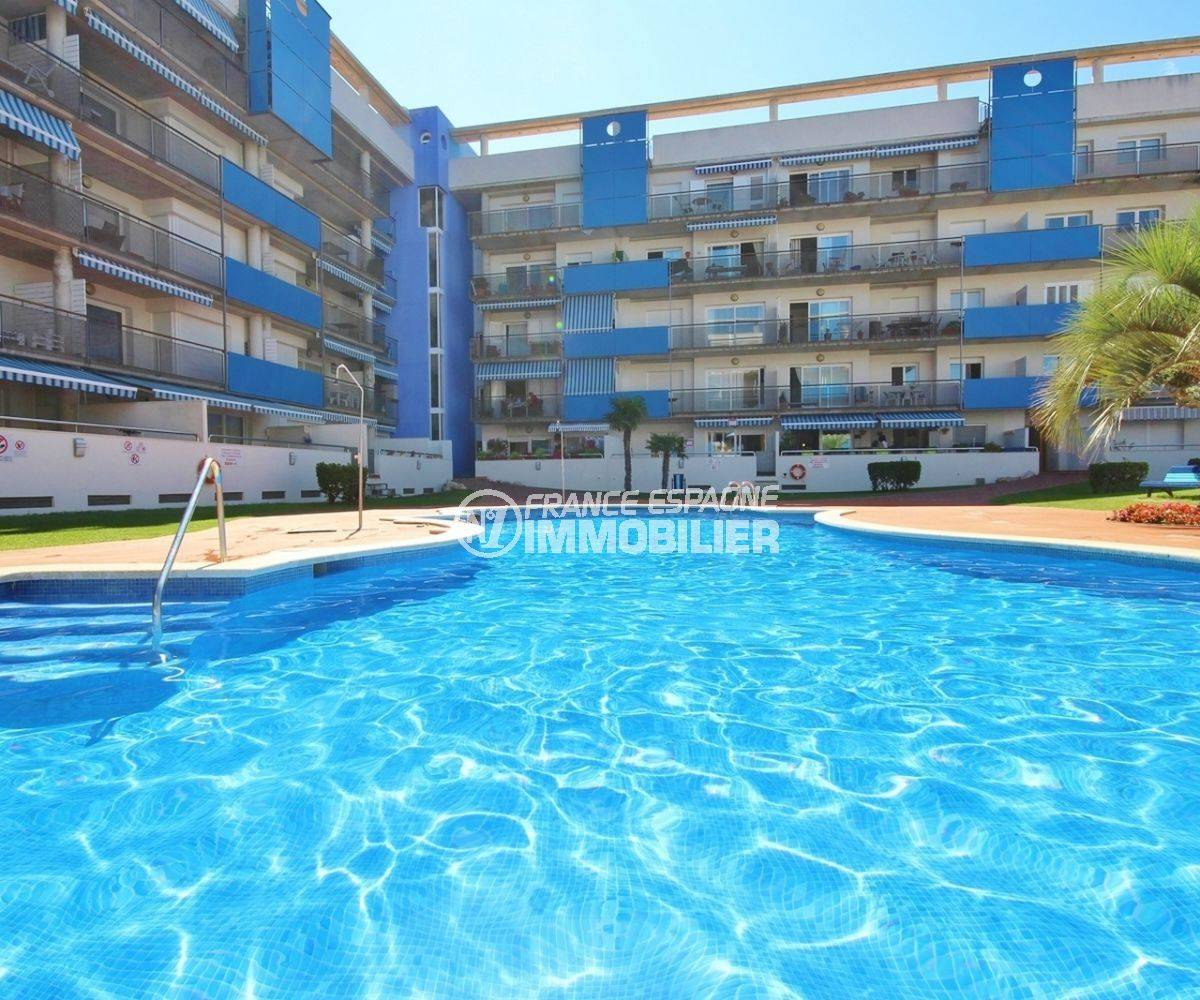 la costa brava: appartement 55 m², aperçu de la piscine communautaire