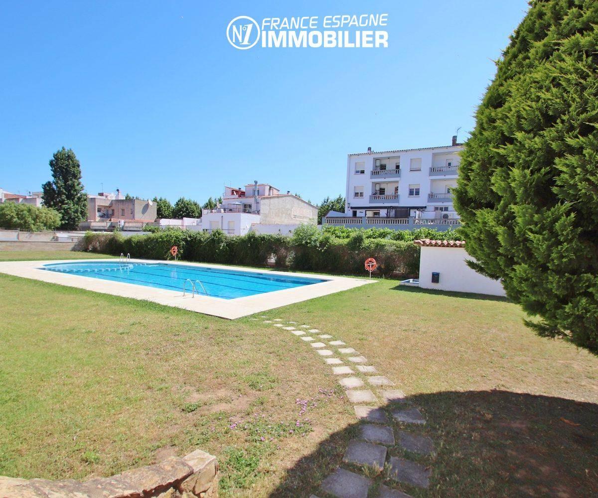 appartement costa brava, ref.3459, jardin de la résidence et accès piscine