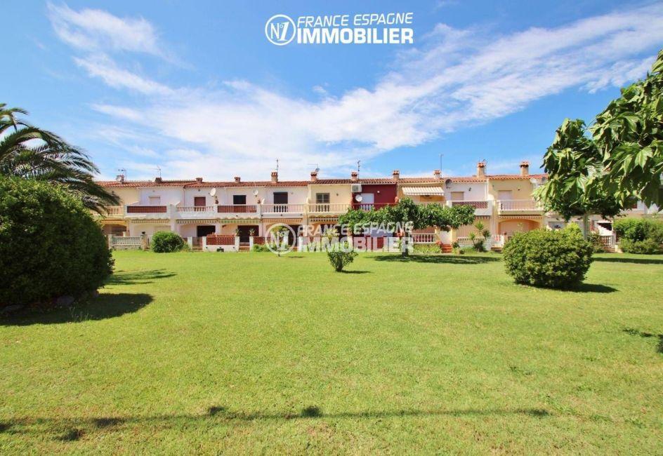 maison a vendre empuriabrava, ref.3446, vue du parc paysagé dans la résidence