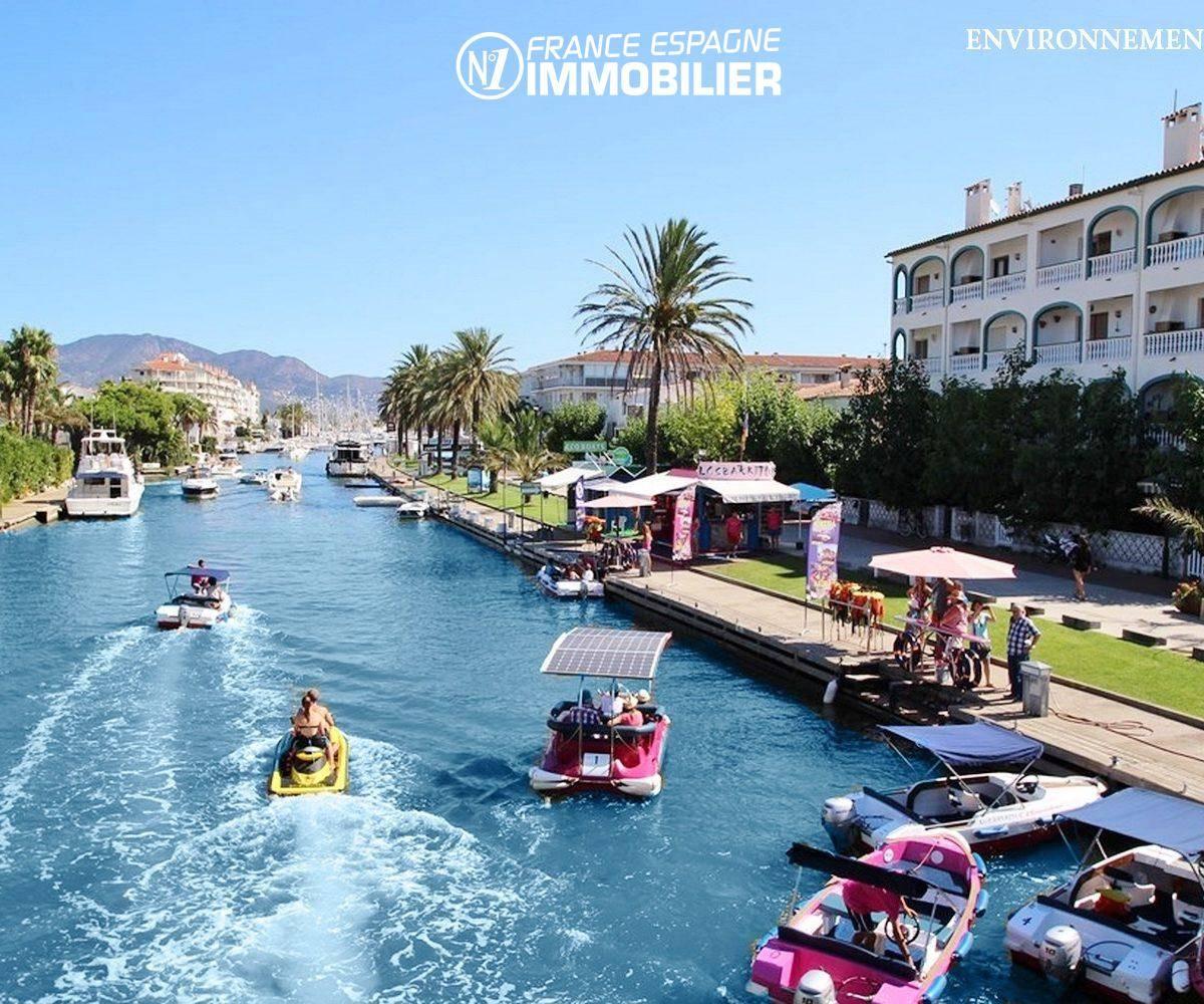 vente appartement espagne costa brava, ref.3459, animations sur un canal à proximité