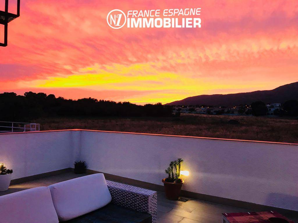 agence immobiliere santa margarita espagne, villa 160 m² à Rosas, jacuzzi solarium, vue mer