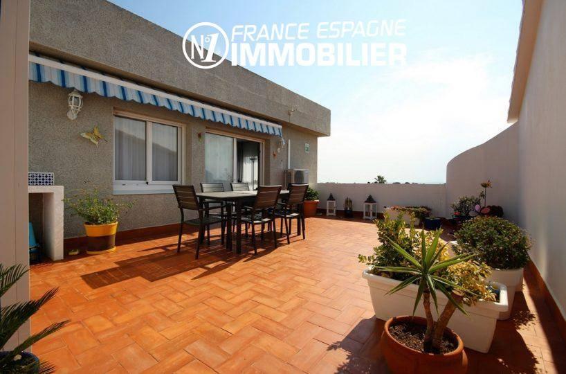 Immobilier Empuriabrava: appartement avec amarre, vue sur terrasse 34 m²