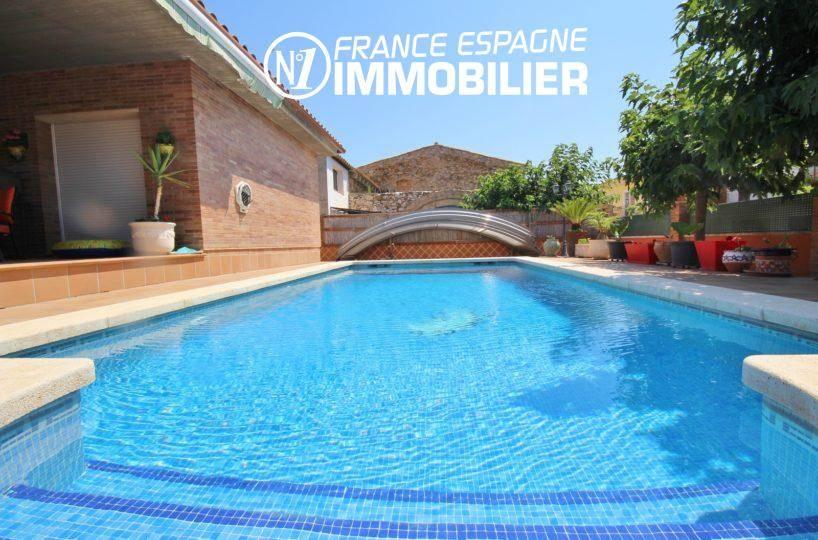 agence immo empuriabrava: grande villa individuelle de plain pied avec piscine