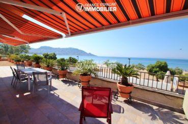 immo roses, front de mer plage à 20 m, grande terrasse vue mer, garage