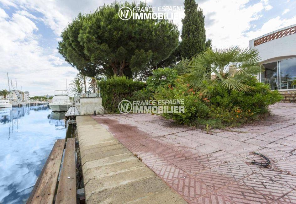 agence immobiliere costa brava: villa 84 m², amarre pour un voilier de 10 m