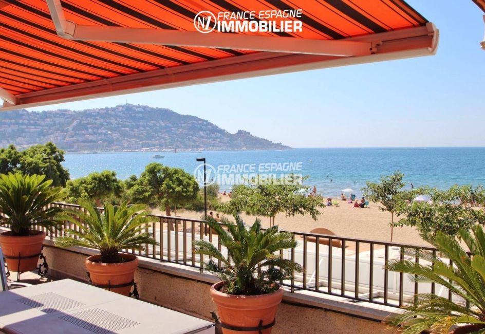 appartement a vendre rosas, accès handicapé, grande terrasse vue sur la passage maritime