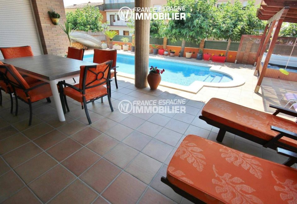 maison a vendre espagne: villa 403 m² de plain pied avec piscine, Empuriabrava