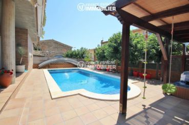 immobilier costa brava: villa 403 m² de plain pied avec piscine, empuriabrava