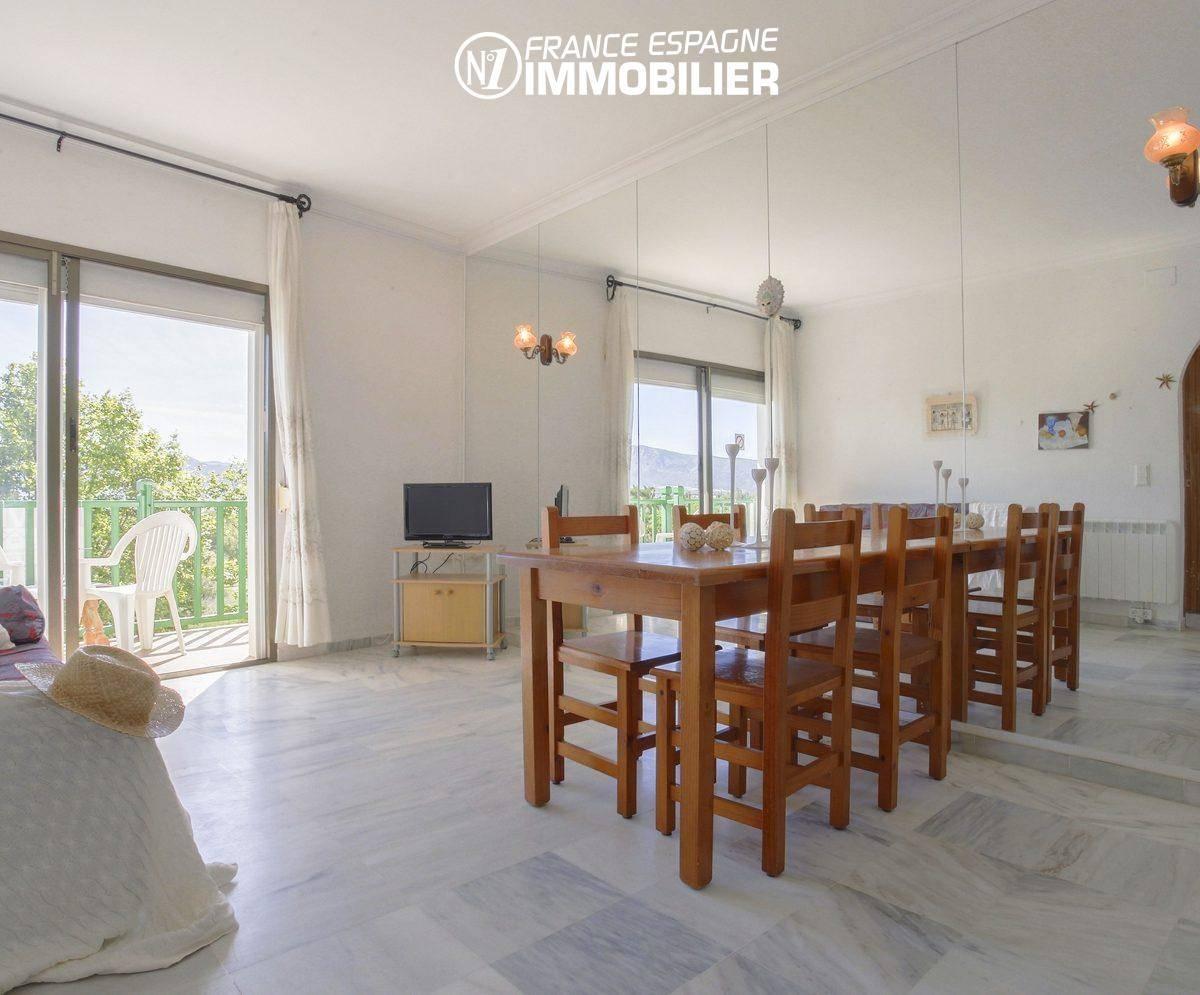 immobilier ampuriabrava: appartement ref.3470, grand séjour / salle à manger