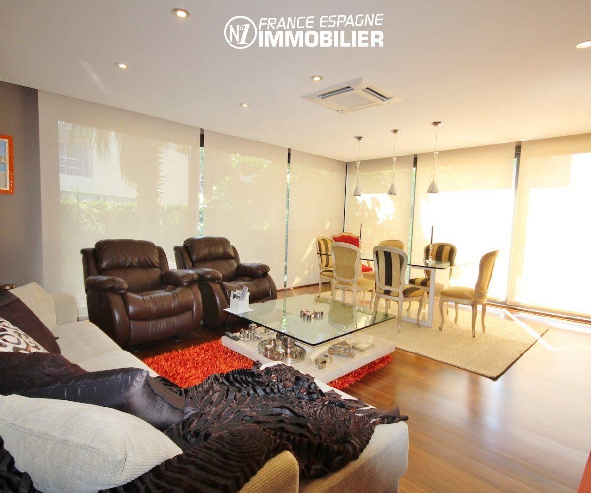 immo espagne costa brava: villa ref.3466, salon / salle à manger accès terrasse