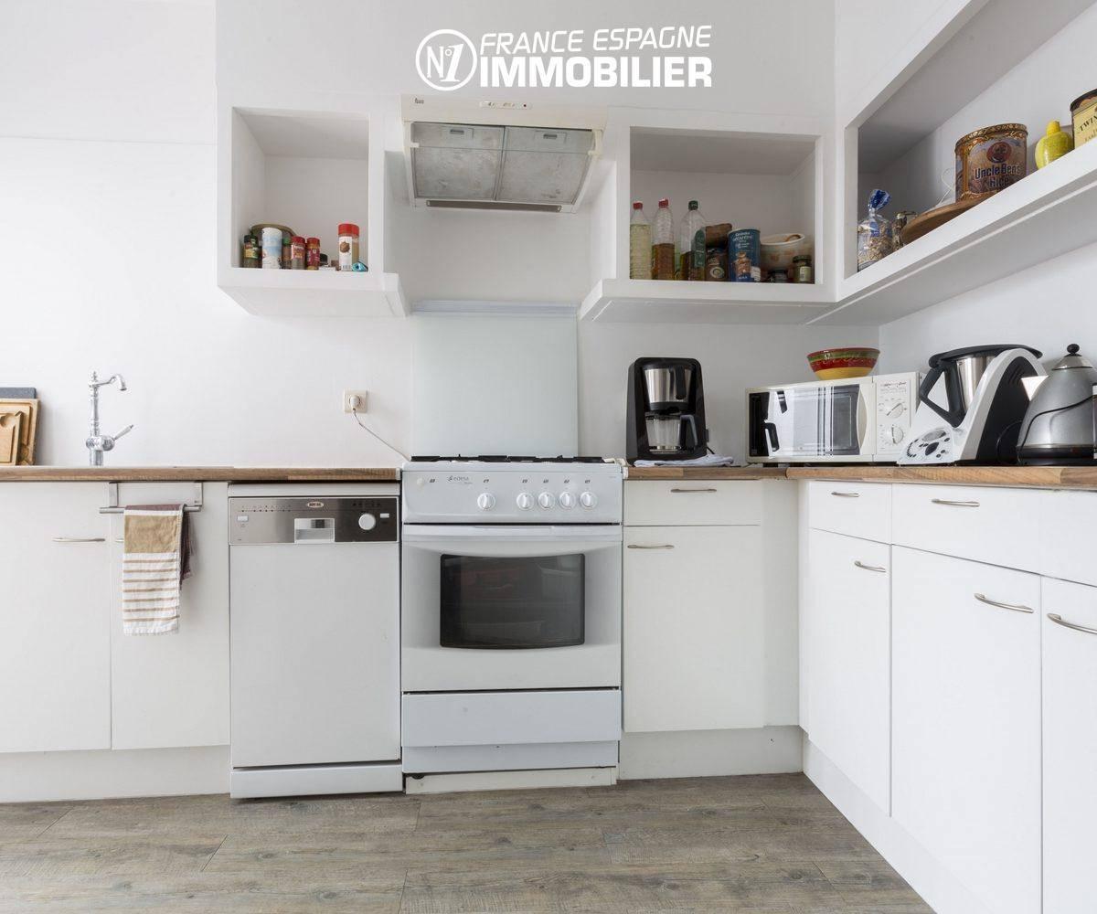 agence immobilière empuriabrava: villa ref.3477, vue sur la cuisine équipée