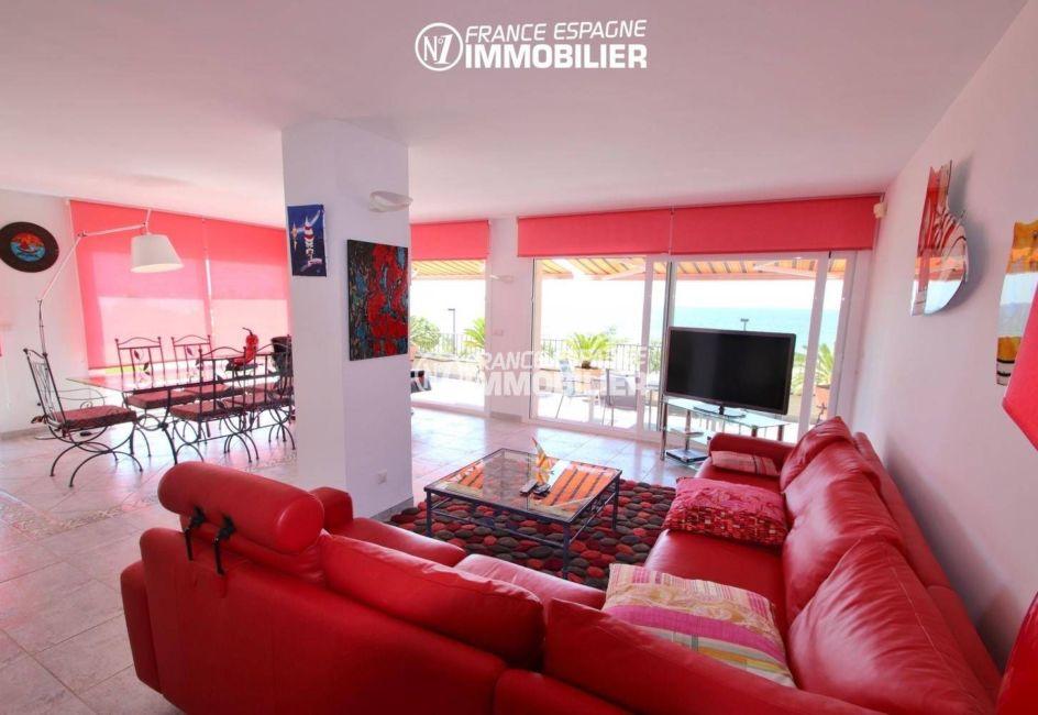 achat appartement rosas, 165 m², salon / salle à manger avec vue sur la mer