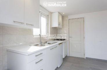 la costa brava: villa ref.3468, cuisine aménagée de l'appartement indépendant accès terrasse