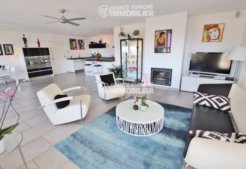 n1immobilier: villa ref.3481, cuisine américaine ouverte sur le séjour / salle à manger