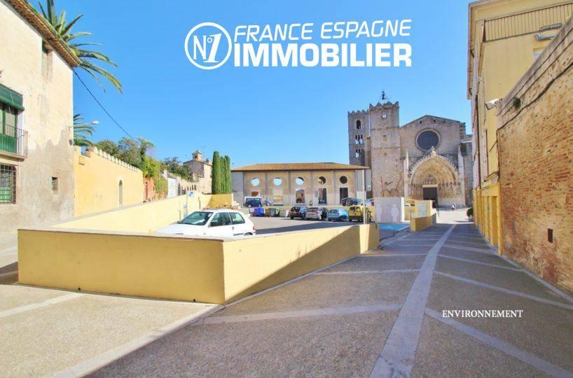 immobilier espagne bord de mer: villa ref.3477, aperçu du quartier avec l'église de Castello