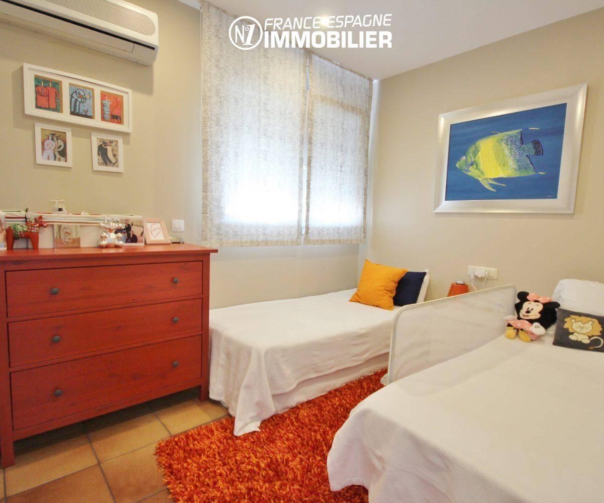 immobilier roses espagne: villa ref.3466, troisième chambre avec deux lits simples