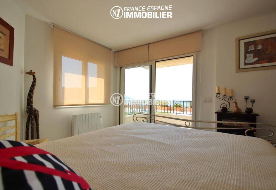 appartement à vendre à rosas, 165 m², vue sur la mer depuis la terrasse chambre 2