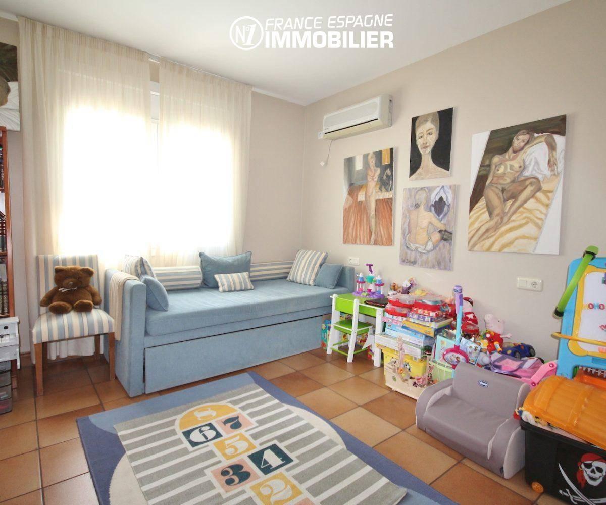 roses espagne: villa ref.3466, quatrième chambre avec canapé convertible