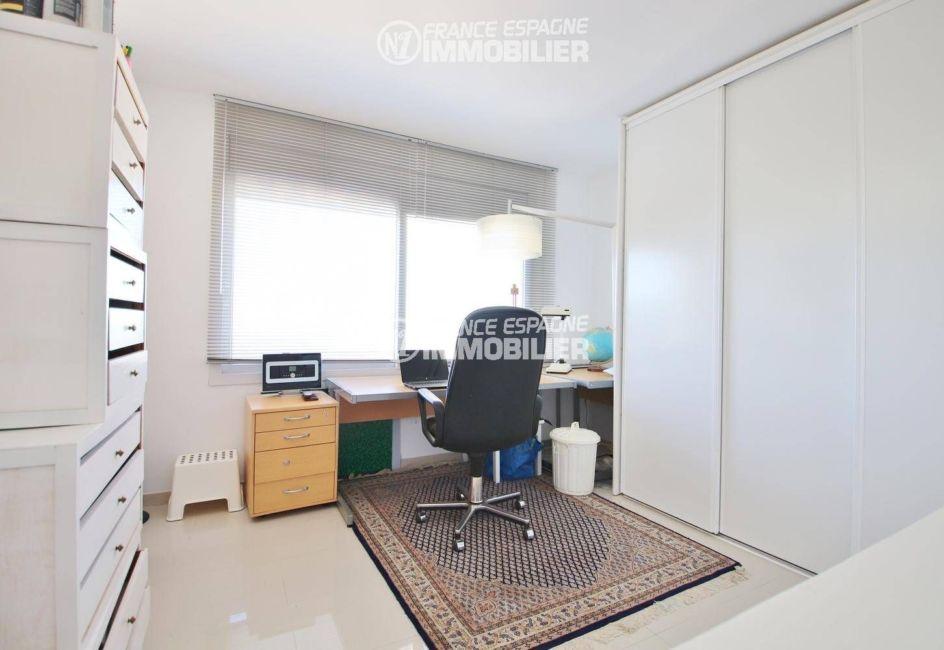 maison a vendre costa brava espagne, ref.3481, le bureau et de nombreux rangements