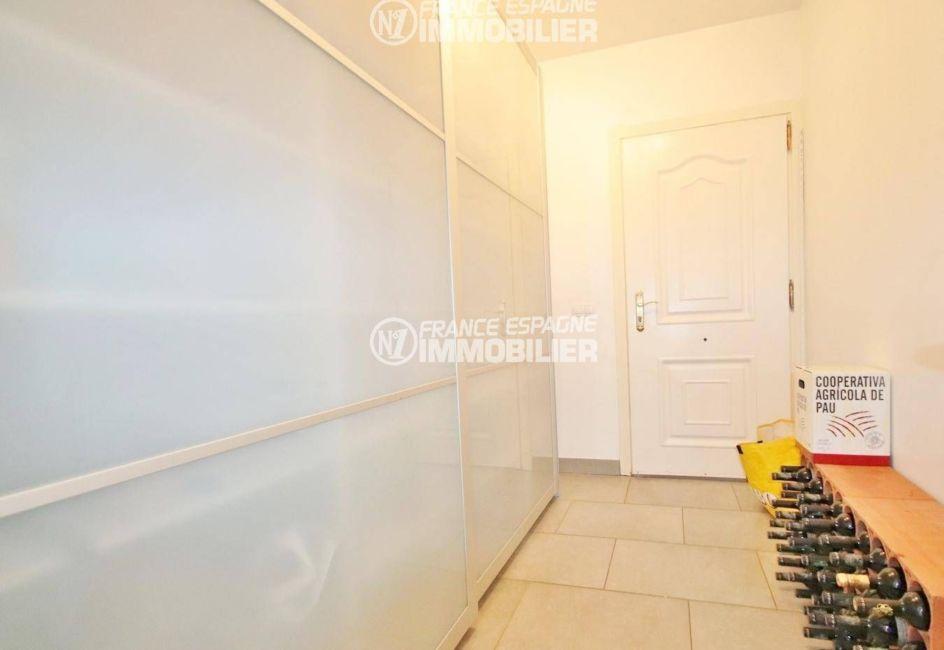 acheter malin costa brava: villa ref.3481, porte d'entrée de l' appartement indépendant