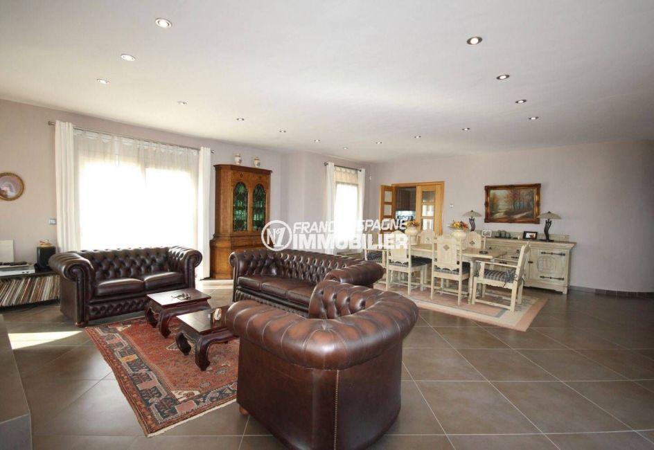 maison a vendre espagne bord de mer, ref.2364, salon / salle à manger accès terrasse