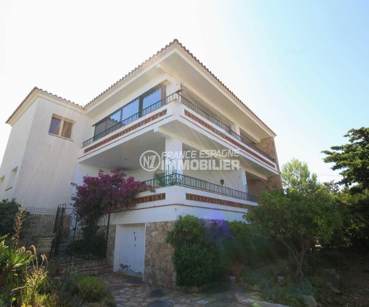 agence immobiliere llanca: appartement ref.3488, aperçu de la façade de l'immeuble
