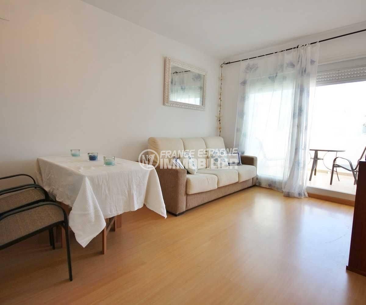 appartement a vendre rosas, ref.3497, salon / salle à manger avec accès à la terrasse
