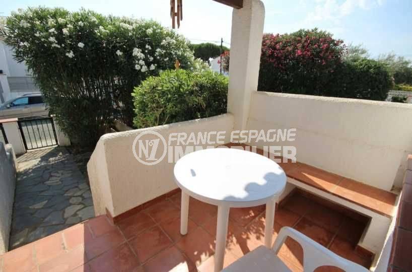 agence immo empuriabrava: villa ref.3498 avec petite terrasse, vue sur le jardin